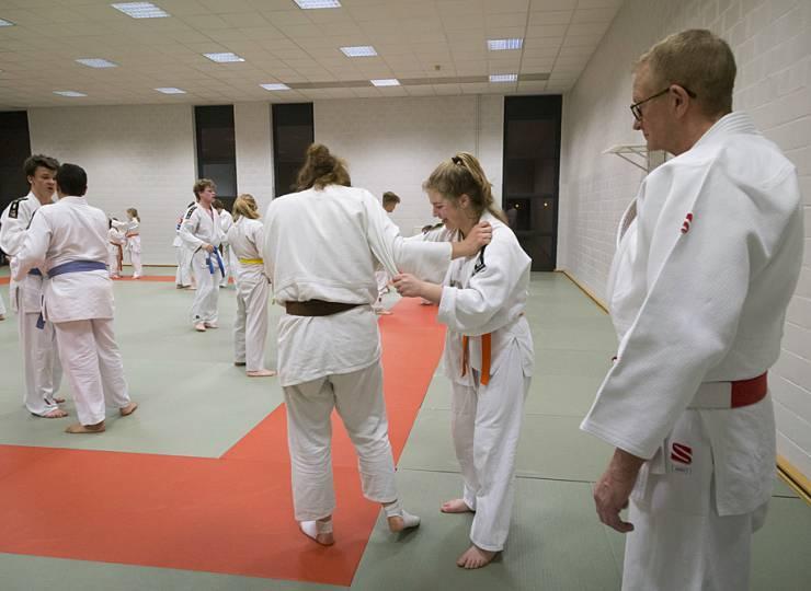 Judoka Ilse Heylen op training.